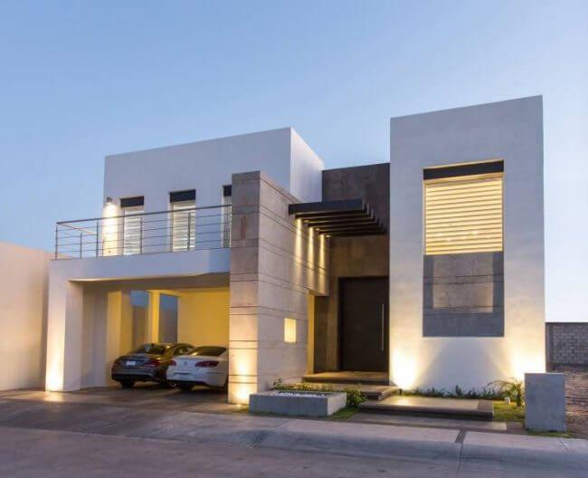 iluminacion de la entrada de una casa