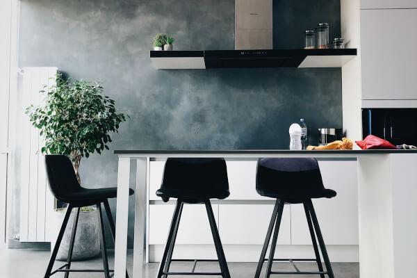 piso-pequeño-barra-cocina-americana